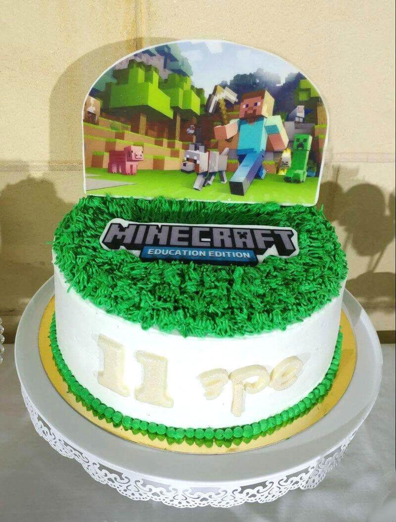 עוגת יום הולדת לבנים בעיצוב מיינקראפט