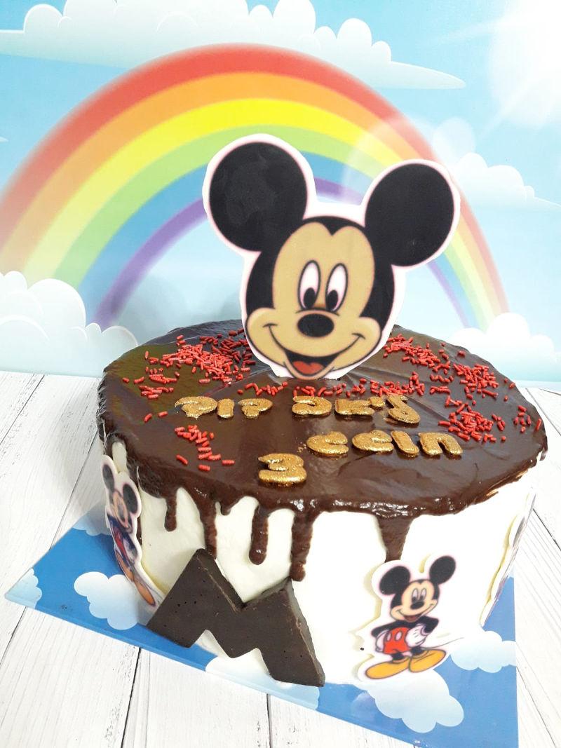 עוגת יום הולדת של מיקי מאוס