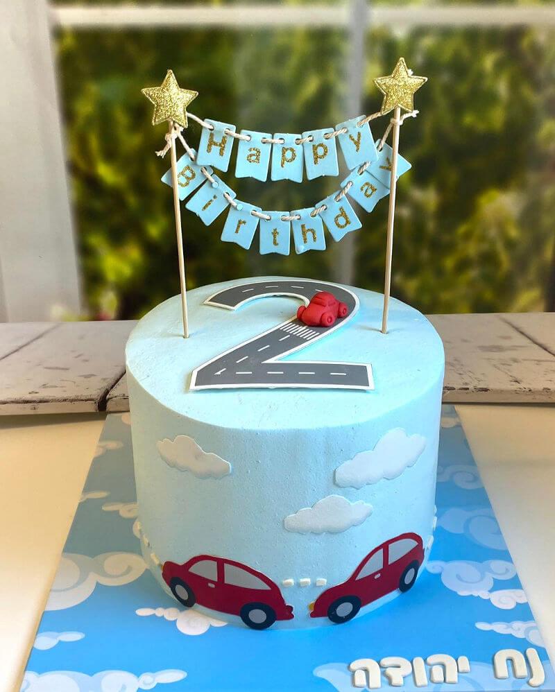 עוגת יום הולדת מכוניות