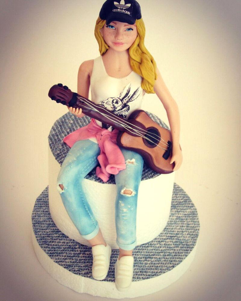 עוגת יום הולדת לבנות פיסול בצק סוכר