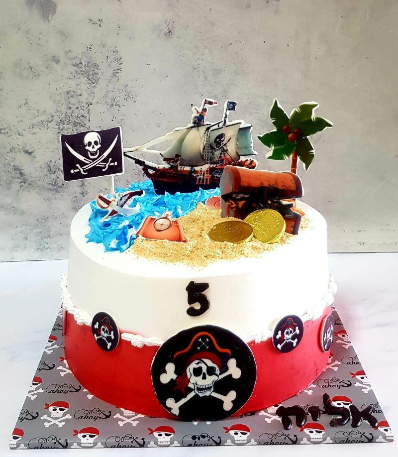עוגת יום הולדת פיראטים