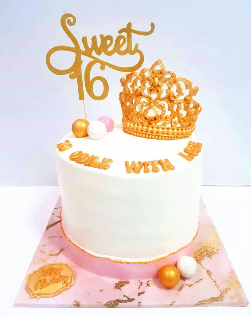 עוגת יום הולדת קוסמטיקה