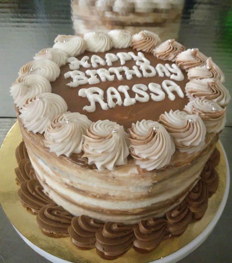עוגת יום הולדת שכבות