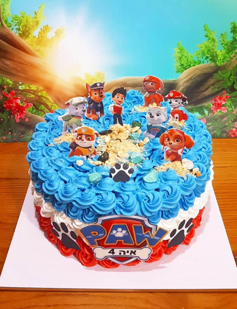 עוגת יום הולדת של מפרץ ההרפתקאות