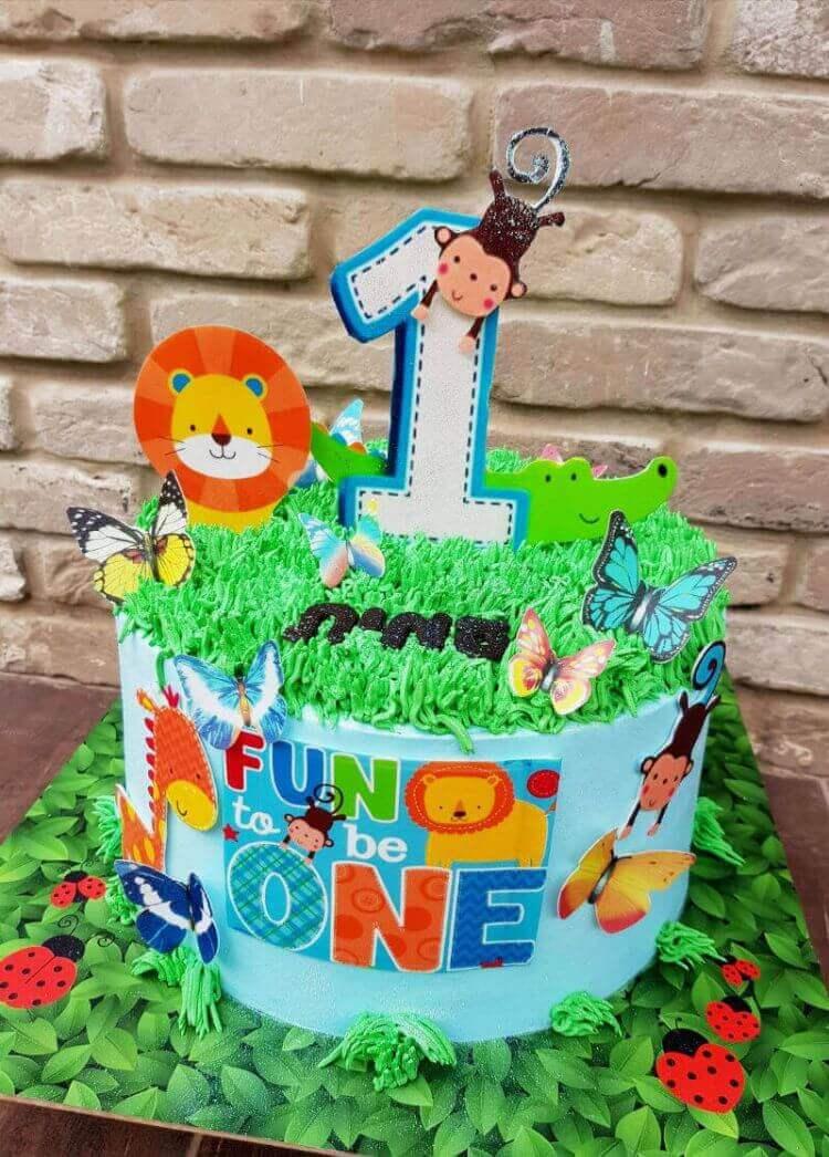 עוגת יום הולדת שנה עם חיות