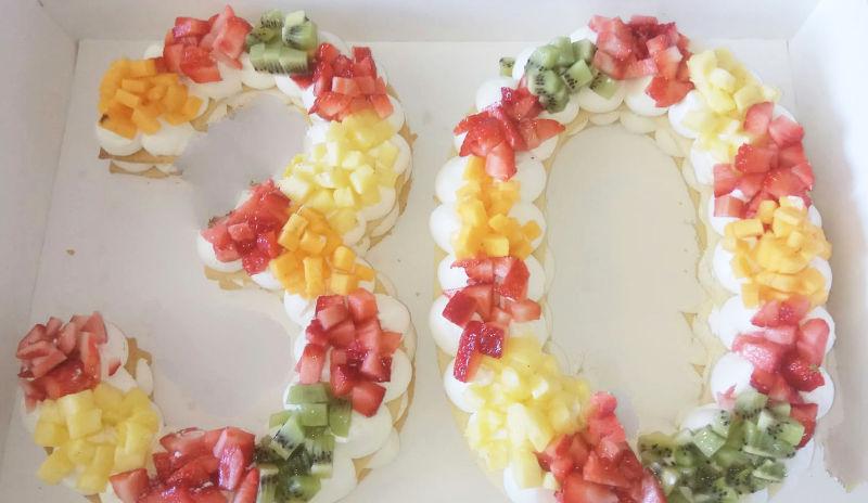 עוגת יום הולדת 30