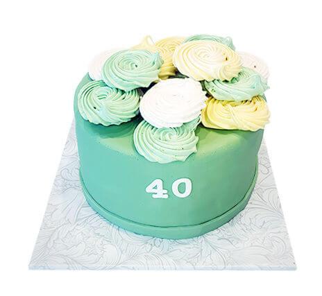 עוגת יום הולדת 40 עם פרחים לאשה