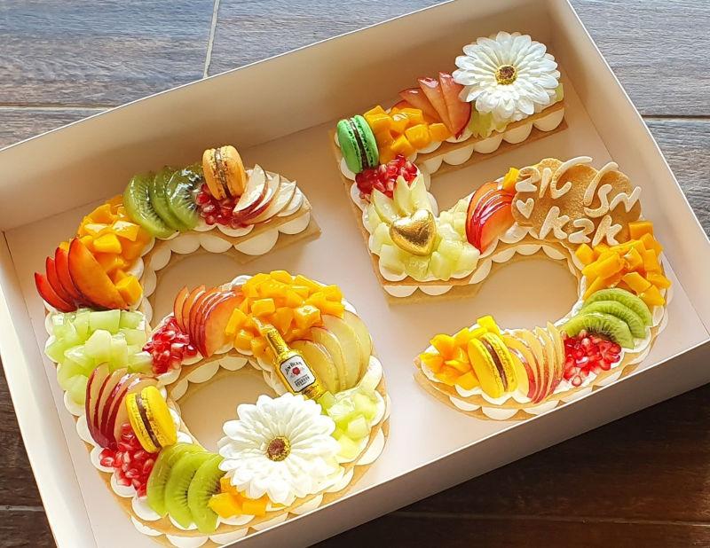 עוגת יום הולדת 65