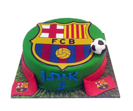 עוגת כדורגל בעיצוב ברצלונה
