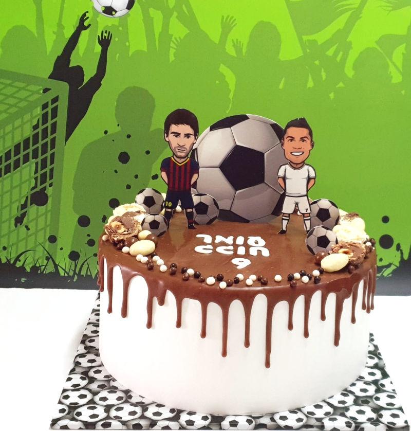 עוגת כדורגל וממתקים