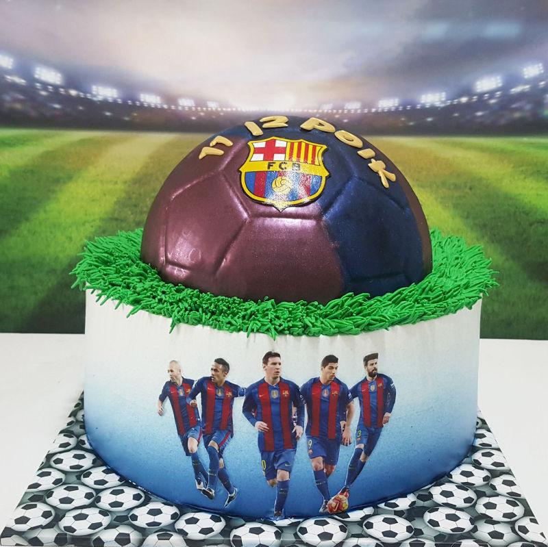 עוגת כדורגל מעוצבת ברצלונה