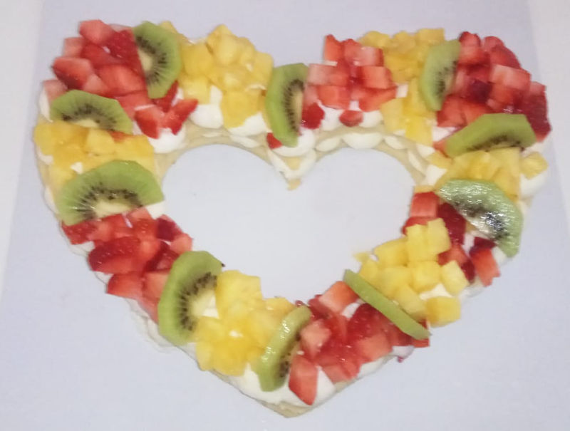 עוגת לב ופירות ליום האהבה