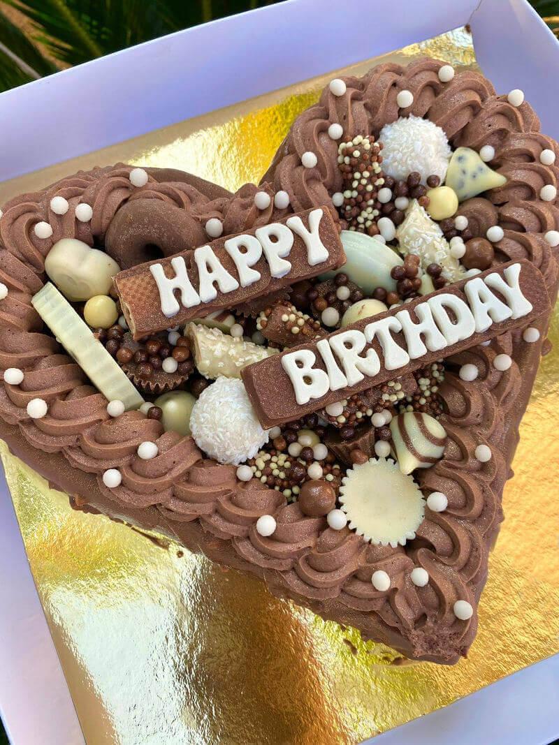 עוגת לב ושוקולדים