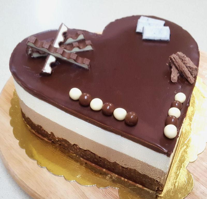 עוגת לב מוסים שוקולד