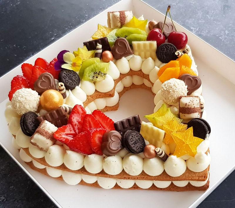 עוגת לב עם פירות