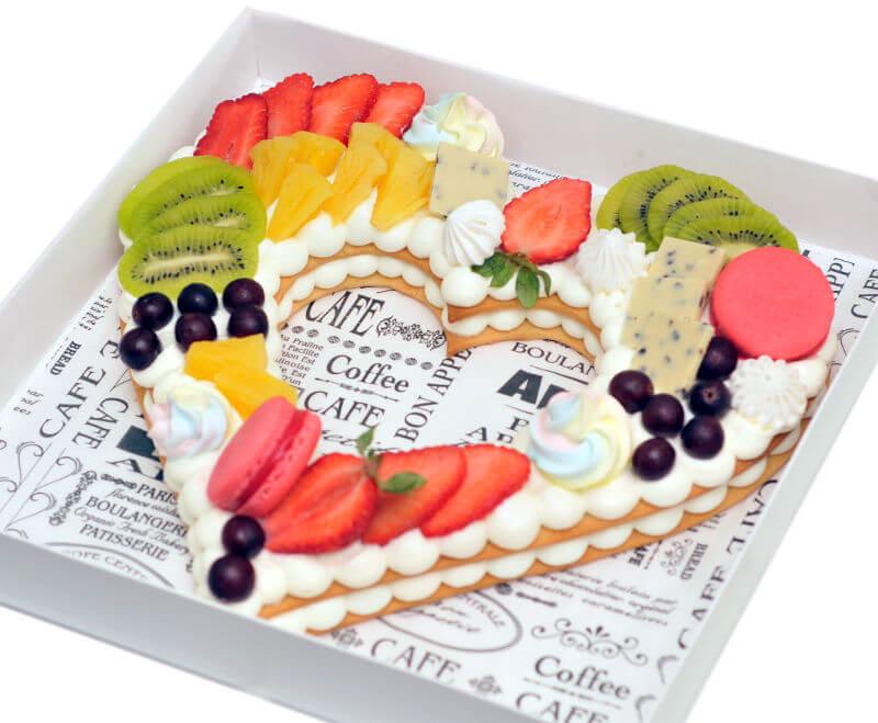 עוגת לב פריך ופירות ליום האהבה