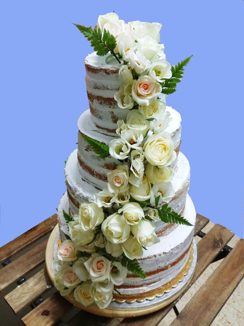 עוגת חתונה עירומה עם פרחים