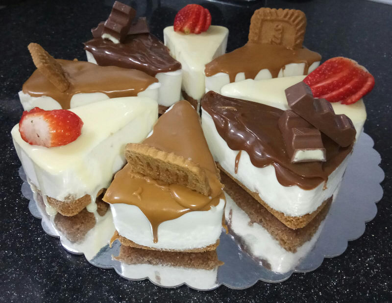 עוגת מוסים בטעמים
