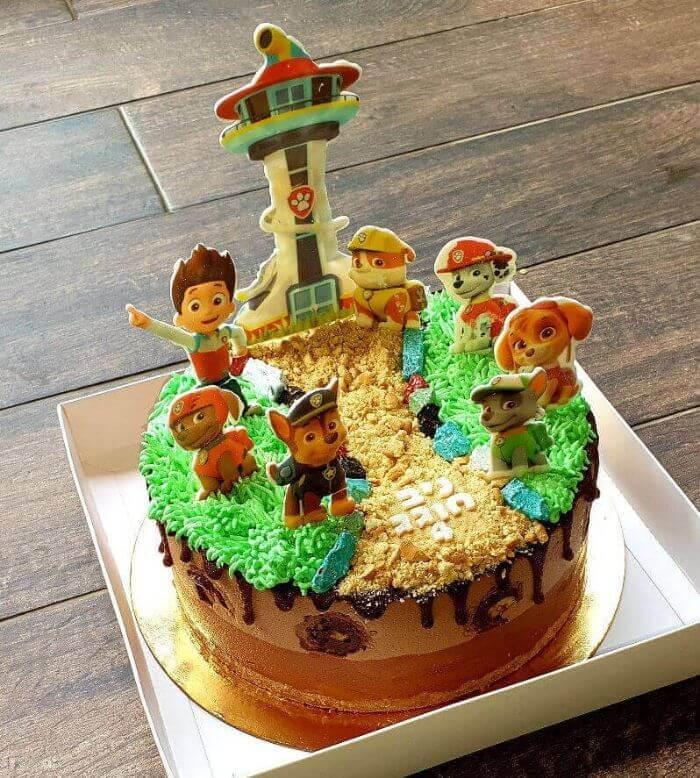 עוגת מוסים בעיצוב מפרץ ההרפתקאות