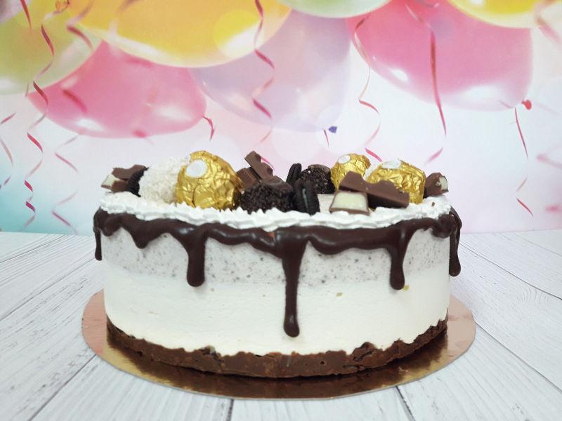 עוגת מוסים וממתקים