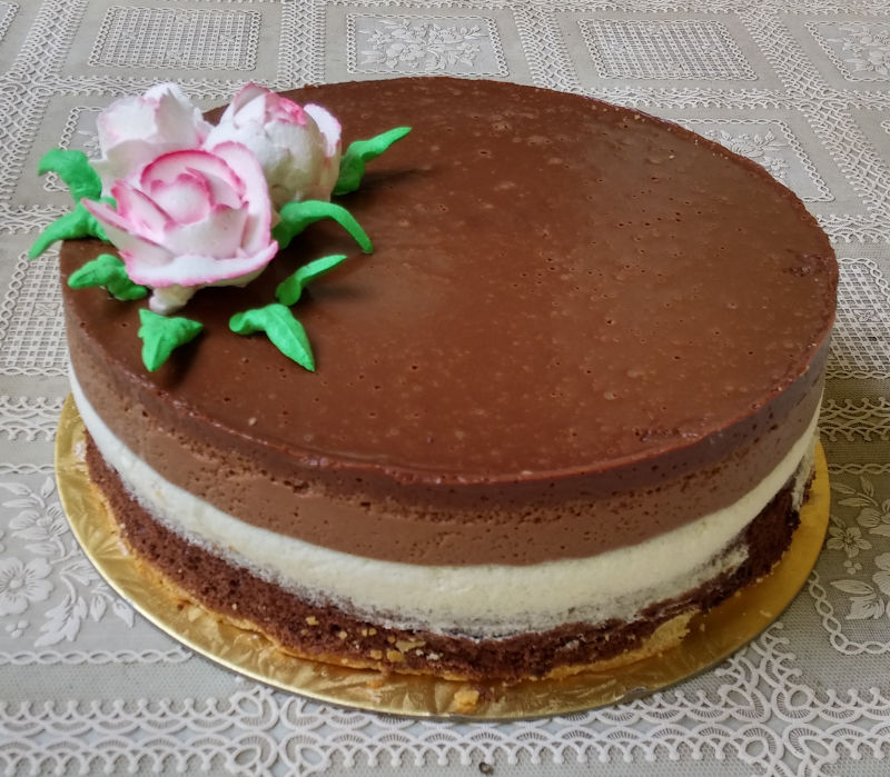 פסח עוגת מוסים ומרנג ליום הולדת