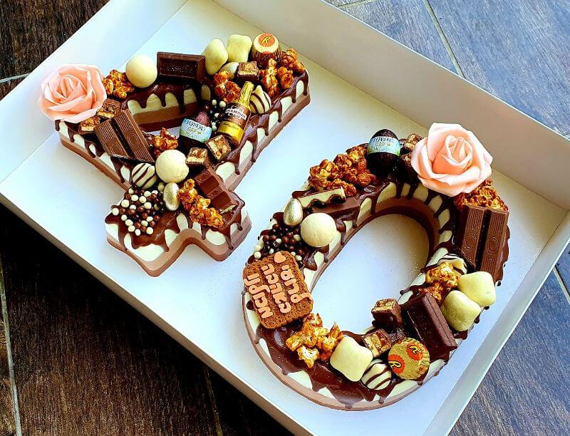 עוגת מוסים טריקולד ליום הולדת 40