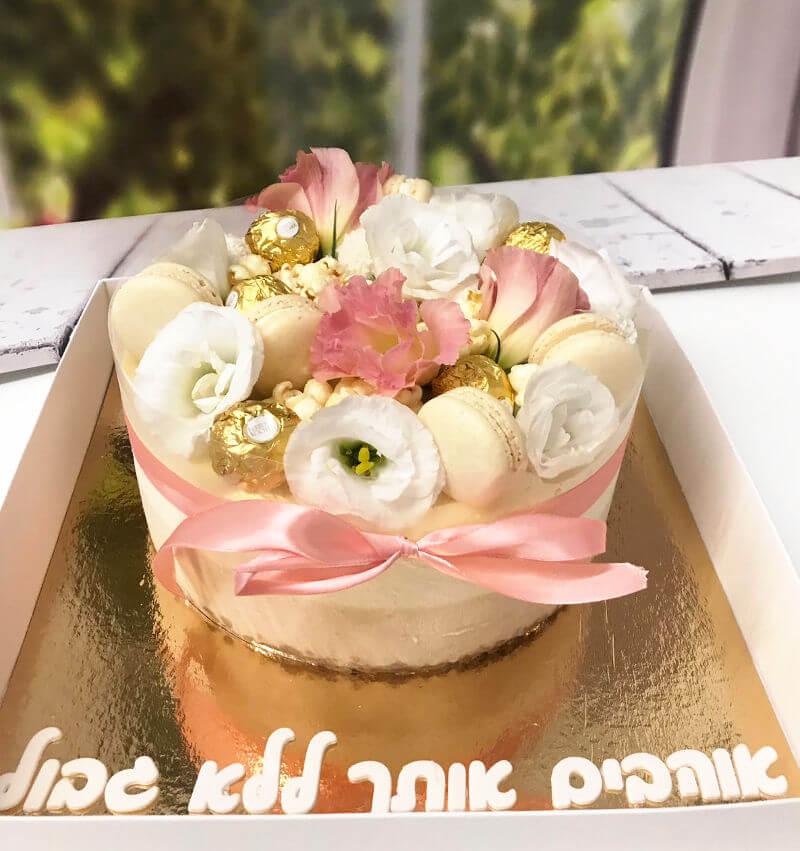 עוגת מוסים מעוצבת ליום האהבה