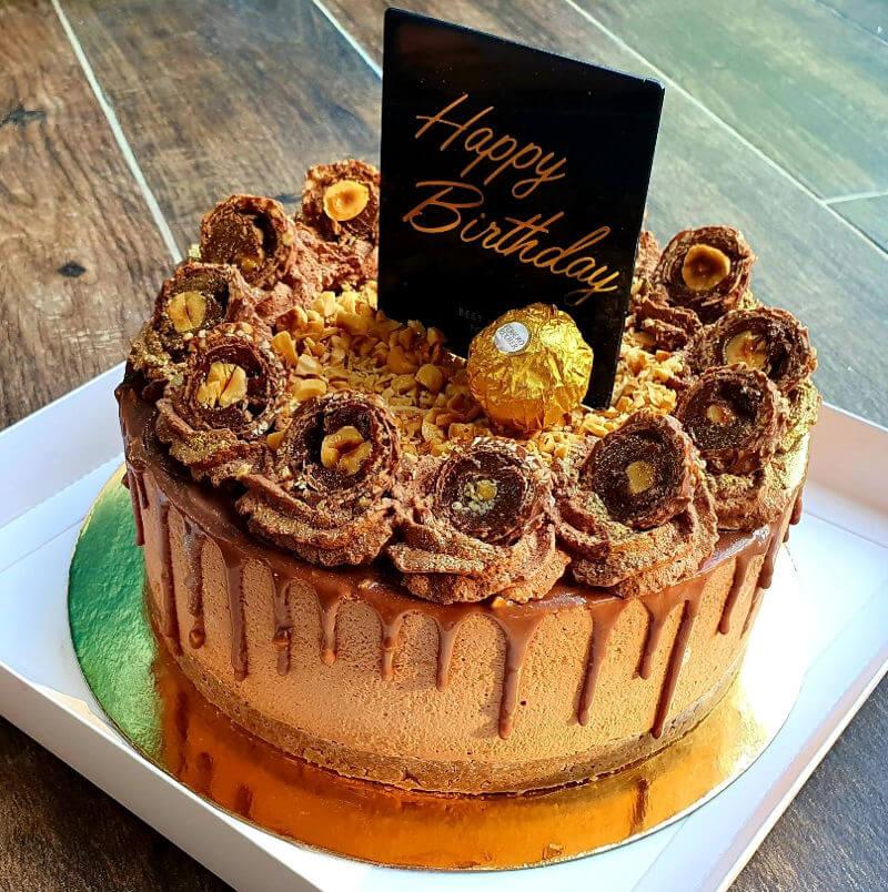 עוגת מוסים שוקולד ליום הולדת