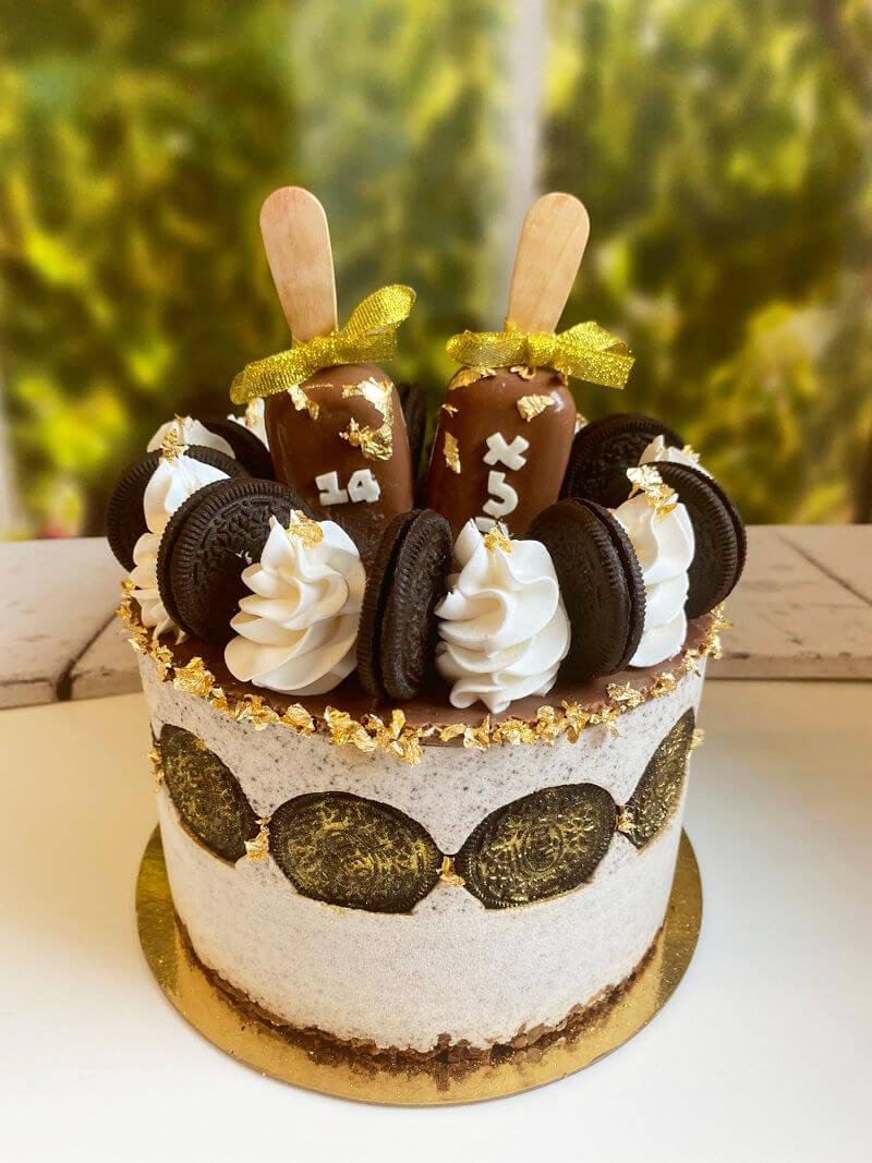 עוגת מוס אוריאו ומגנומים ליום הולדת