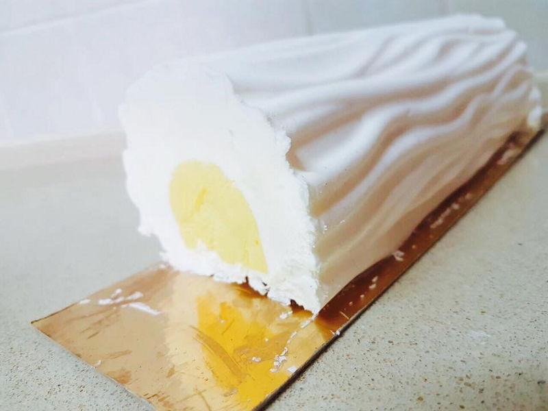 עוגת מוס גבינה ומגו