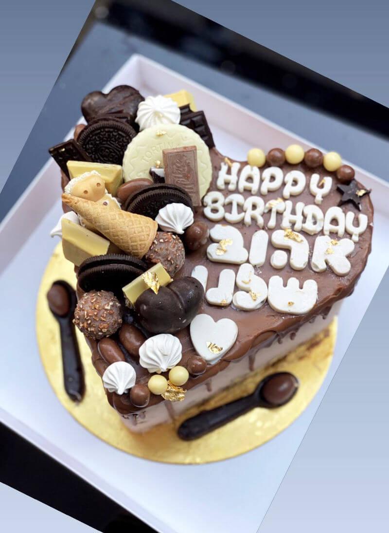 עוגת מוס לב וממתקים