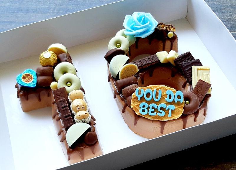 עוגת מוס מספרים מעוצבת לגיל 16