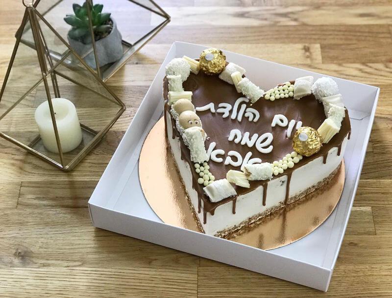 עוגת מוס לוטוס בצורת לב
