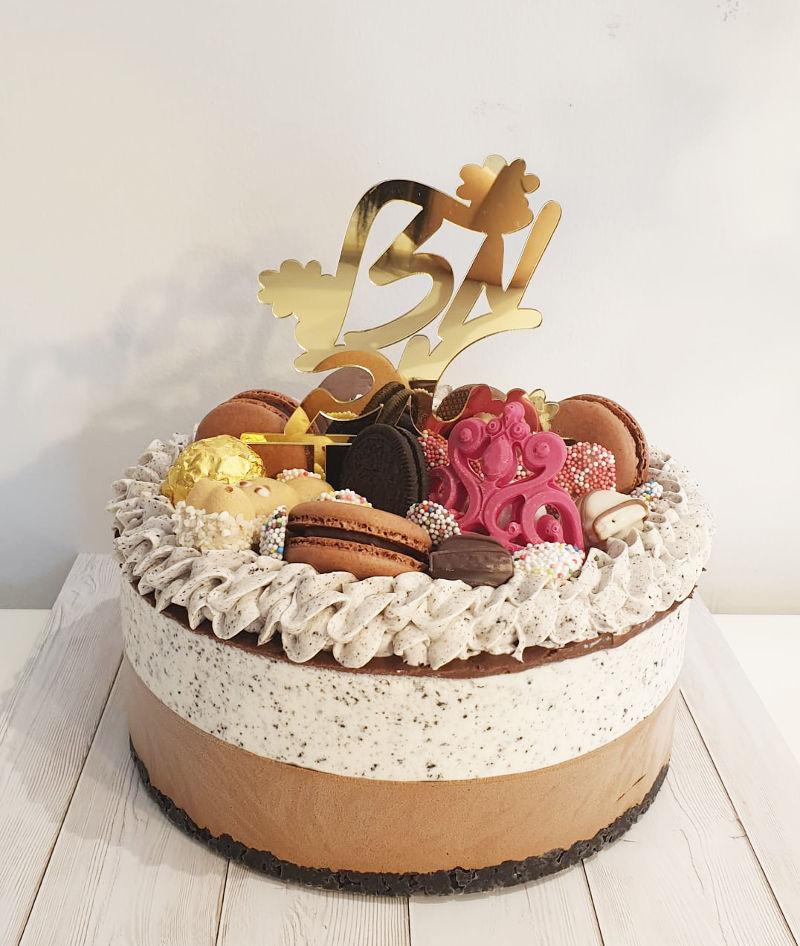עוגת מוס מעוצבת ליום הולדת