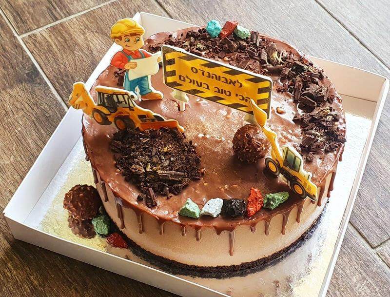 עוגת מוס פררו רושה בעיצוב אתר בנייה