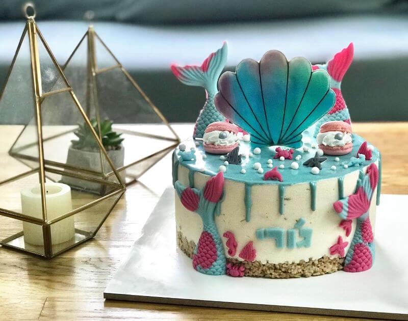 עוגת מוס קינדר בעיצוב בת הים