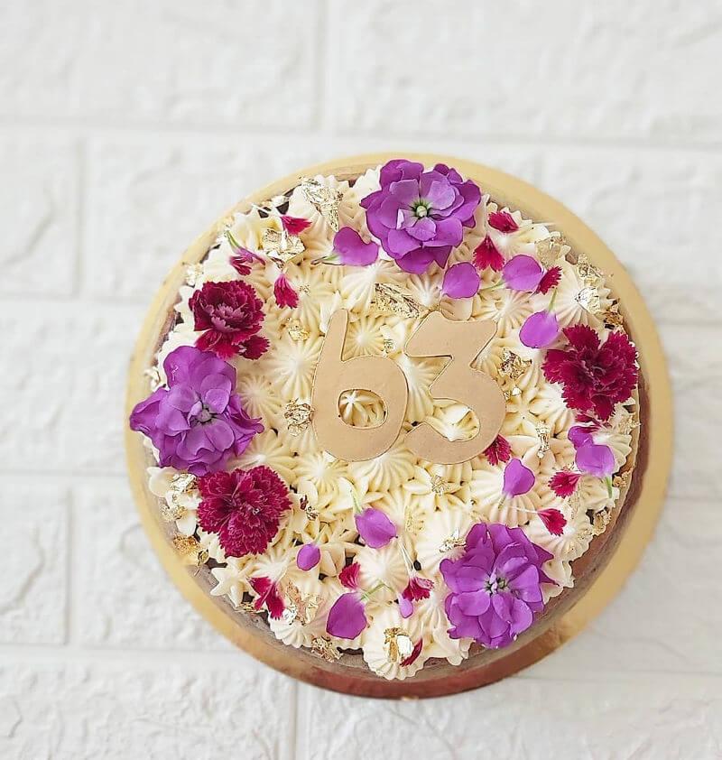 עוגת מוס שוקולד וגבינה מעוצבת