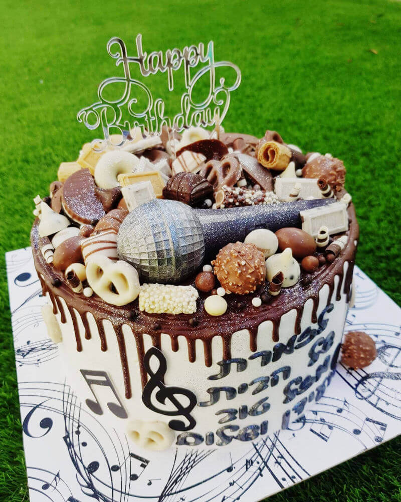 עוגת מיוזיקלי וממתקים