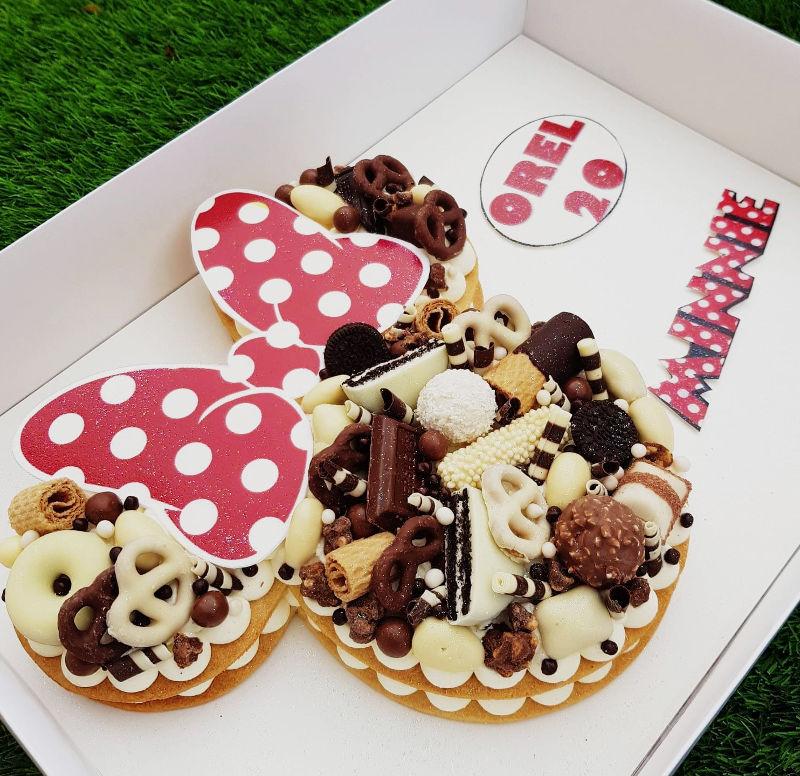 עוגת מיני מאוס וממתקים