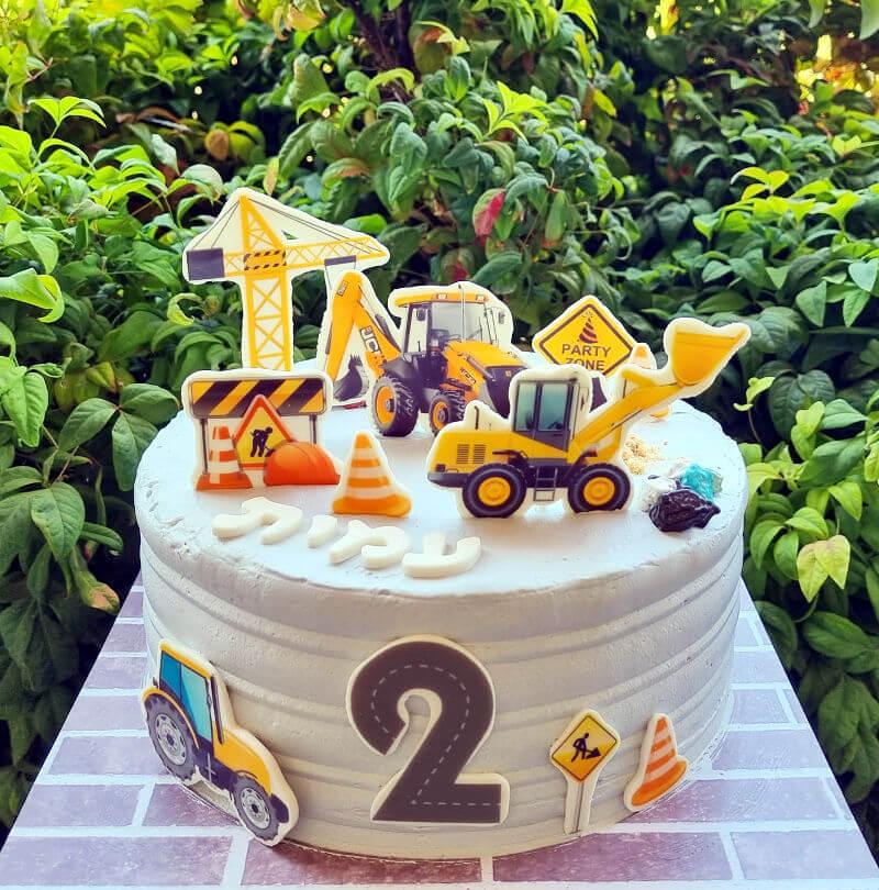 עוגת מכוניות טרקטורים