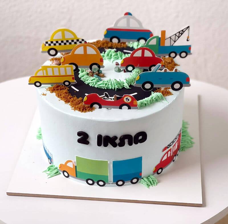 עוגת מכוניות מעוצבת