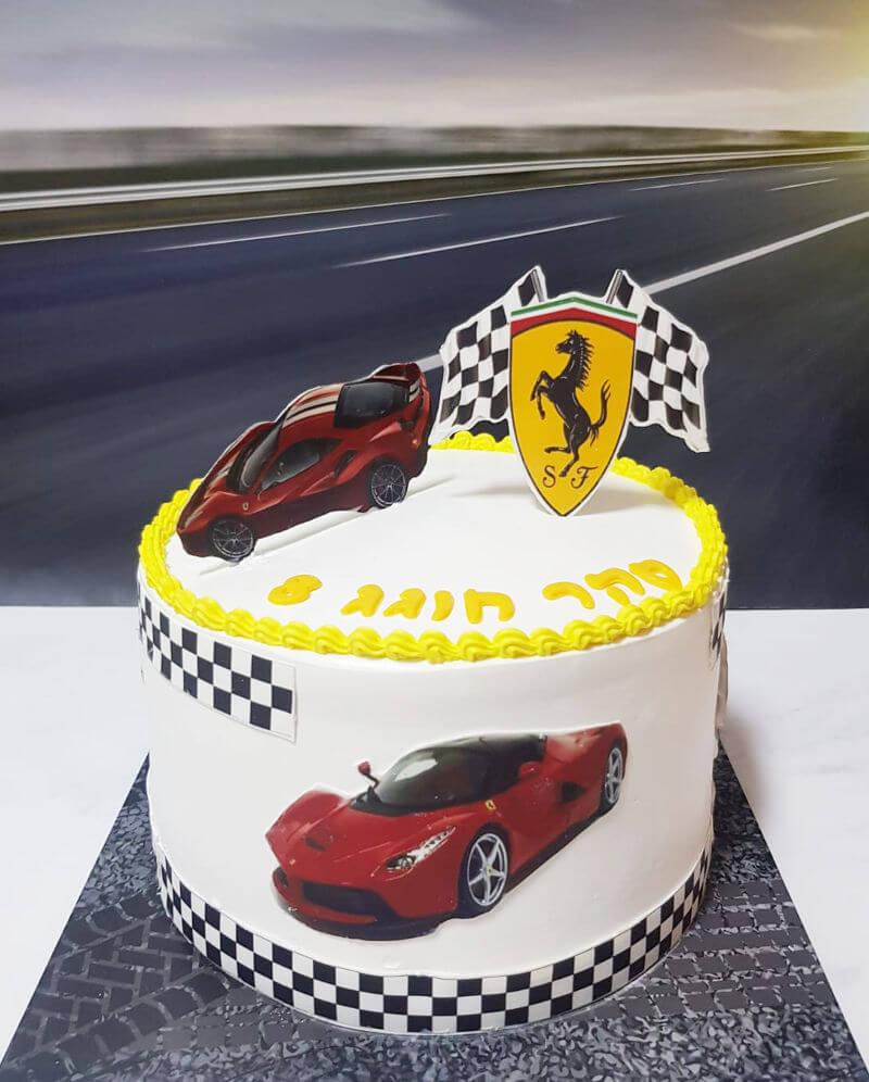 עוגת מכוניות פרארי לבן