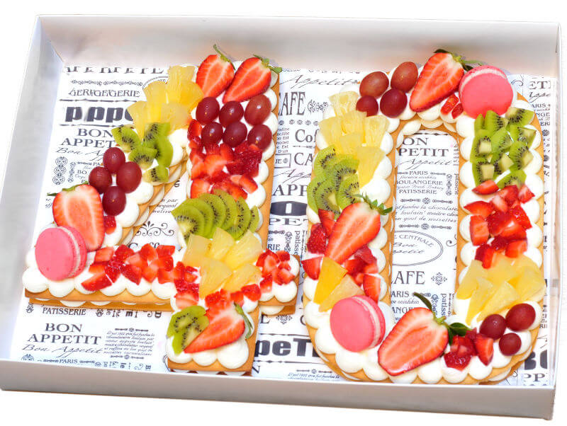 עוגות לגיל 40 - עוגת מספרים עם פירות