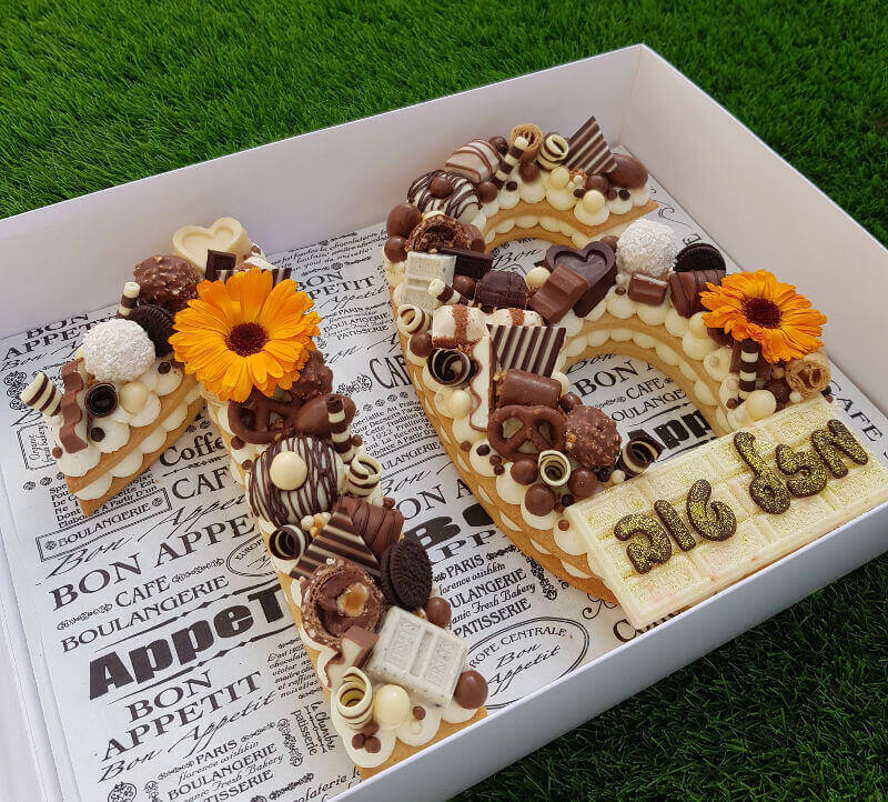 עוגת מספרים שוקולדים ופירות לגיל 16