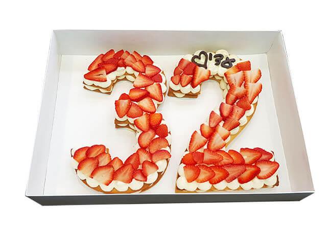 עוגת מספרים ותותים