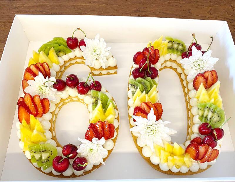 עוגת מספרים לגיל 60 ללא גלוטן