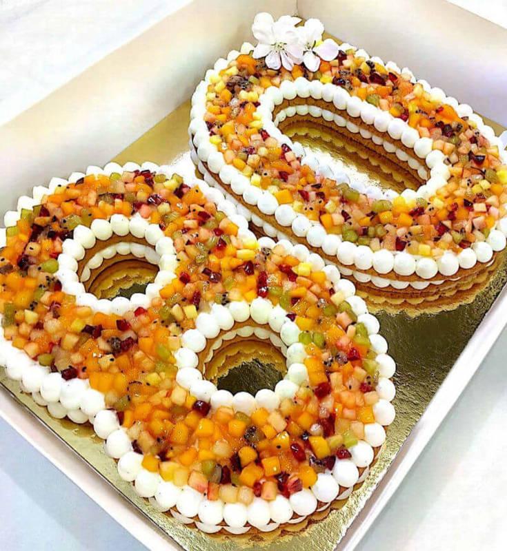 עוגת מספרים מבצק פריך עם מלא פירות
