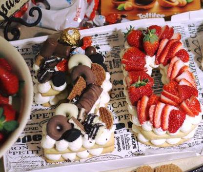 עוגת מספרים 20 פירות ושוקולדים