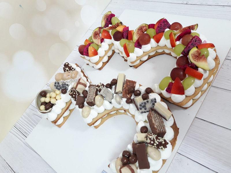 עוגת מספרים פירות ושוקולדים לגיל 33