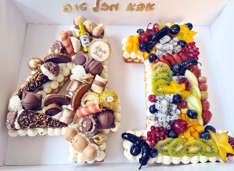 עוגת מספרים פירות ושוקולדים